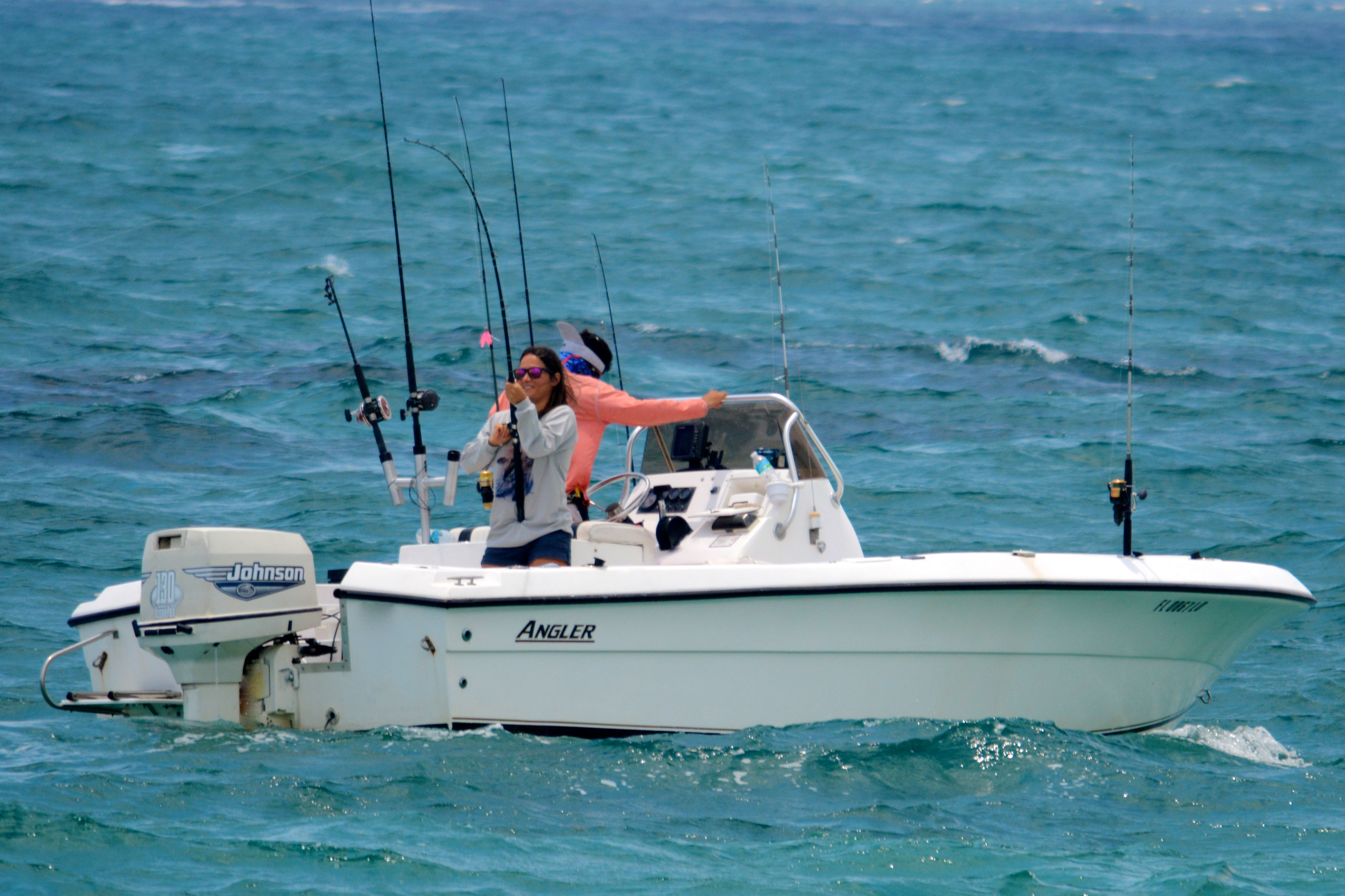 20 angler center console with 140hp suzuki four stroke for Delray beach fishing charters